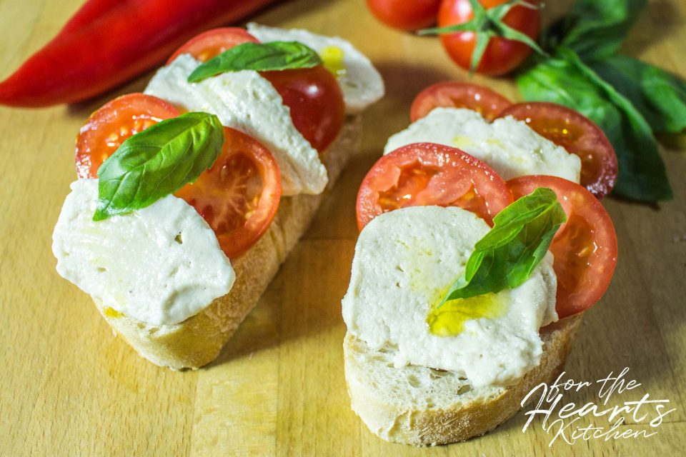 Cremiger veganer Cashew Mozzarella | for the Hearts Kitchen | die ...