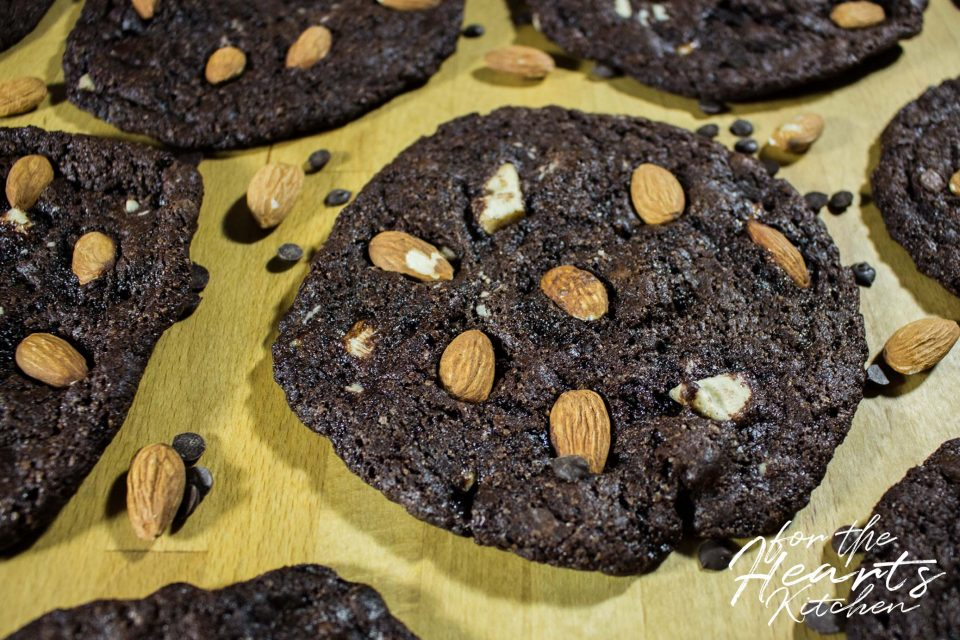 Vegane softe Mandel Double Chocolate Cookies