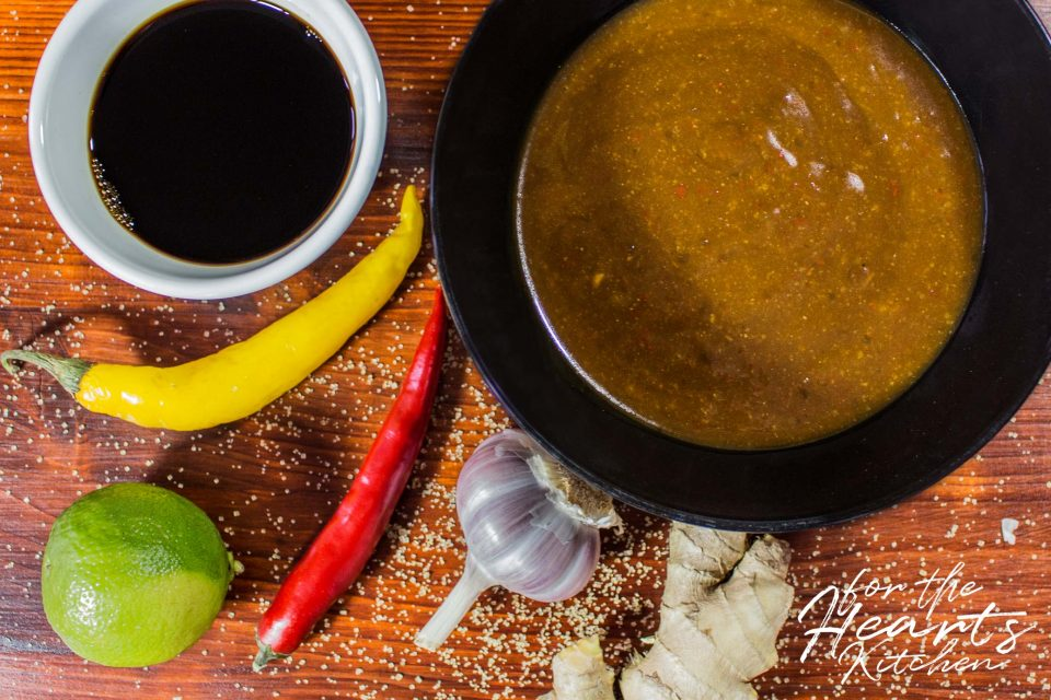 Asiatische spicy Szechuan Sauce zum Dippen, Grillen oder Kochen