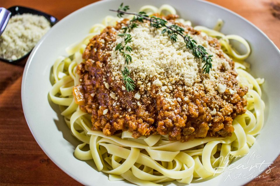 Masters of the Bolosauce (Bestes veganes Ragù alla Bolognese)