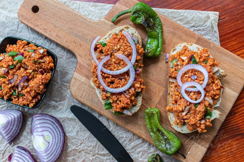 Spanisches veganes Paprika Reiswaffel Mett