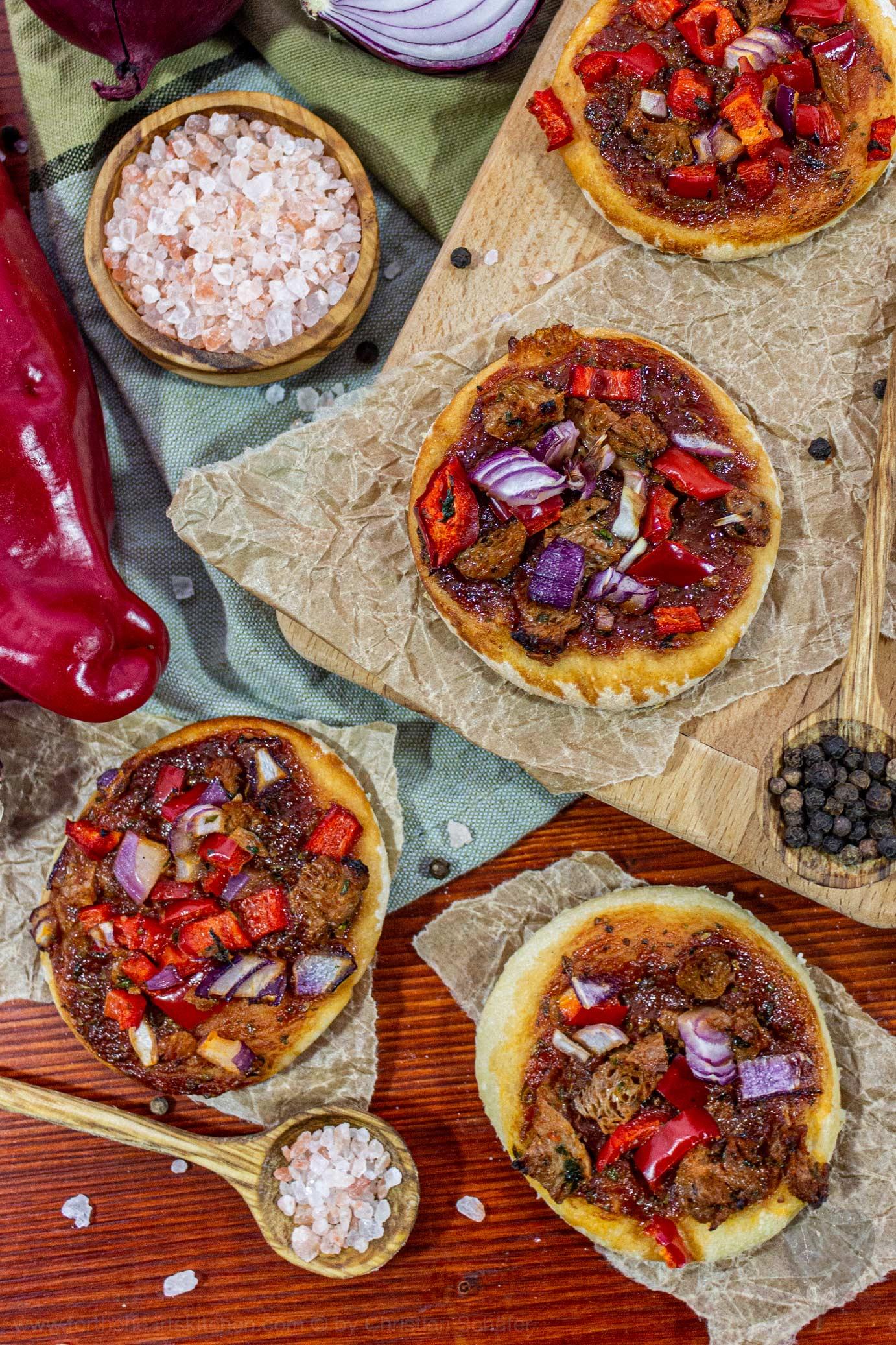 vegane BBQ Hühnchen Mini Pizzen